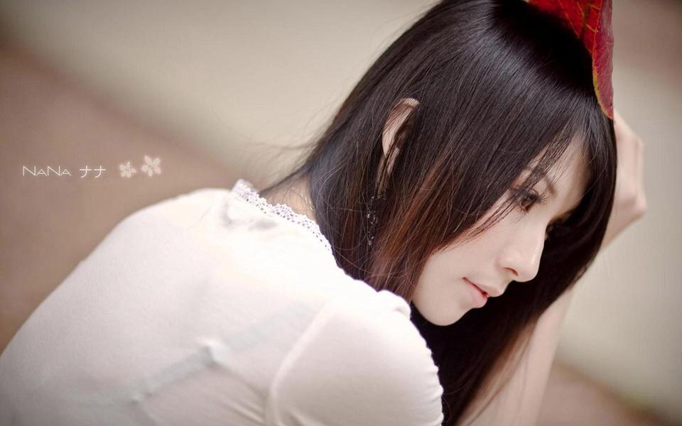 养眼美女桌面背景图片-美女图库_性感写真_清纯可爱