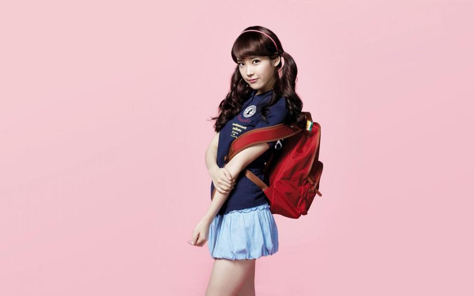 可爱学生装的韩国美女桌面壁纸