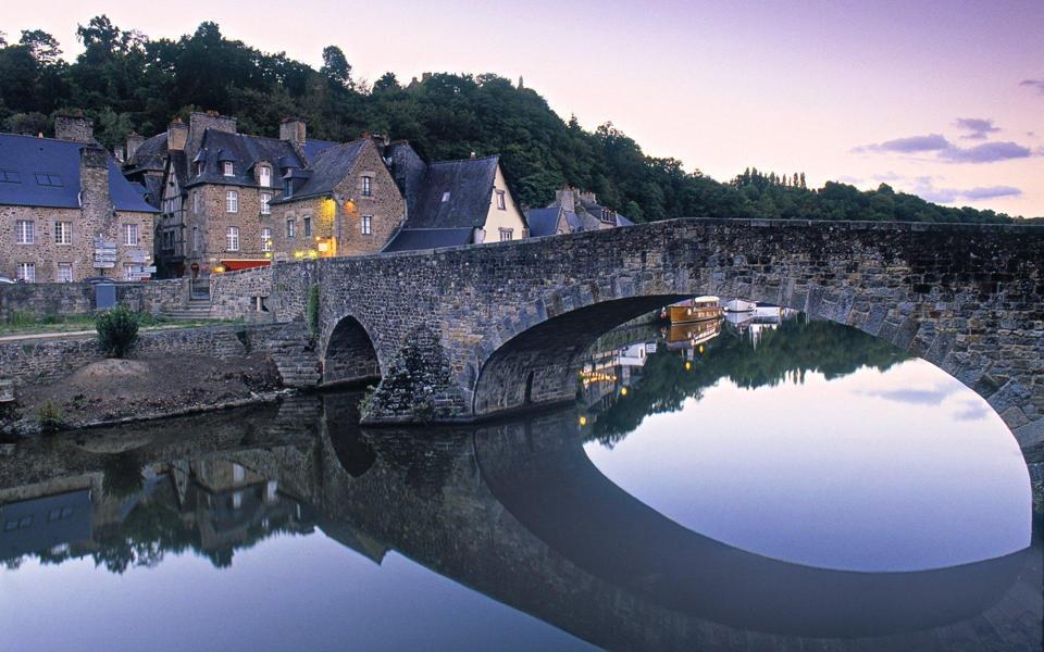 欧洲小镇风景壁纸_小镇风景速写_电脑壁纸风景