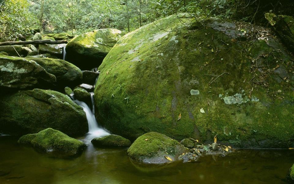山石流水风景桌面壁纸图片