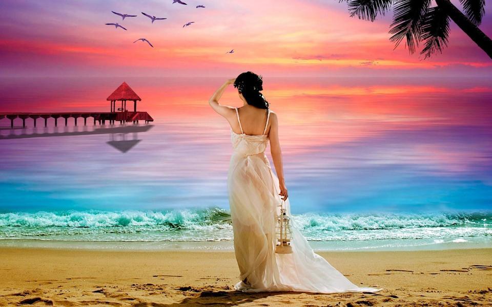 大海边美女背影桌面壁纸