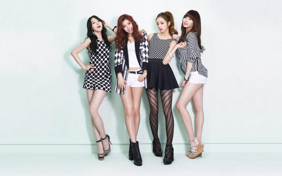 长腿美女壁纸桌面_韩国美女组合长腿美女桌面壁纸 .