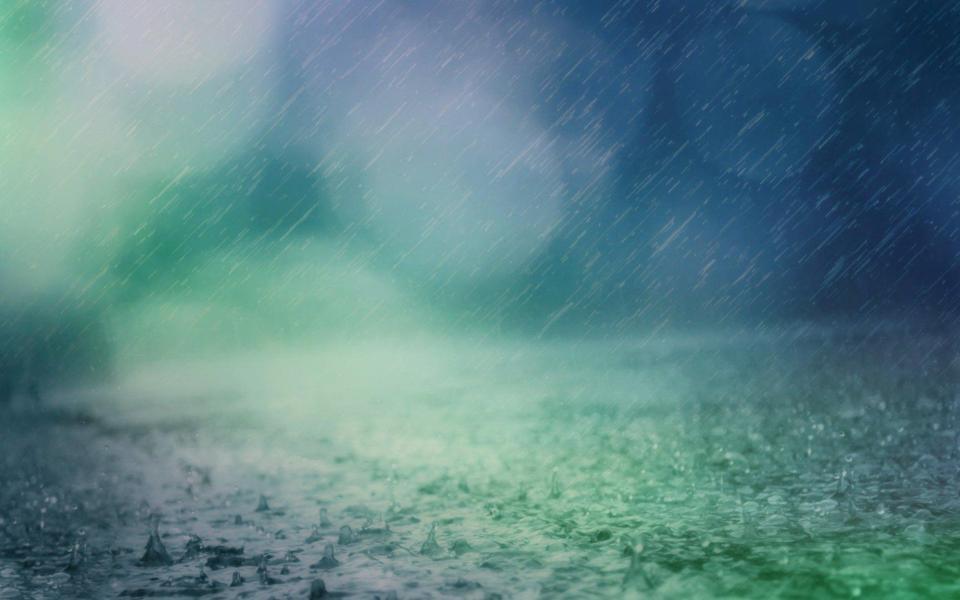夏日雨中高清唯美电脑壁纸