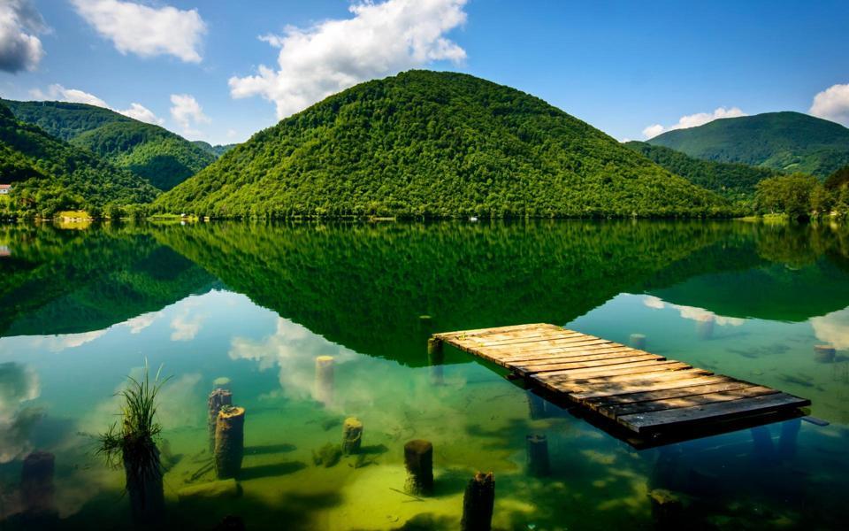 十分养眼的波斯尼亚自然风景壁纸
