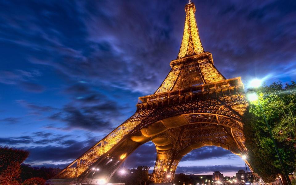 巴黎埃菲尔铁塔壁纸_巴黎埃菲尔铁塔壁纸高清图片