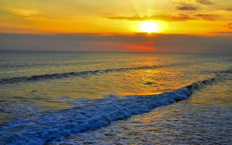 落日唯美海浪高清壁纸大图-电脑桌面壁纸_壁纸大全