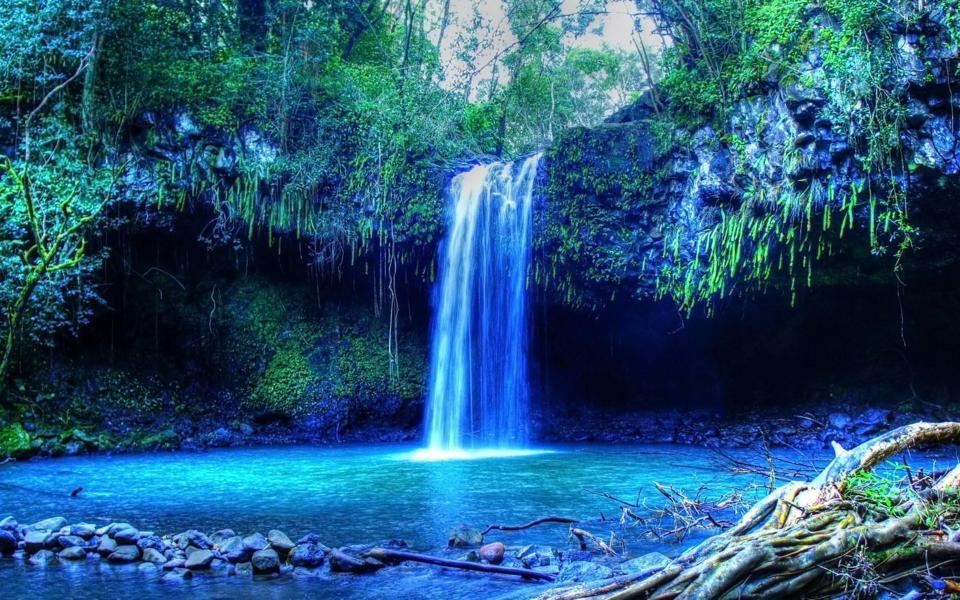 美丽的热带瀑布高清自然桌面壁纸