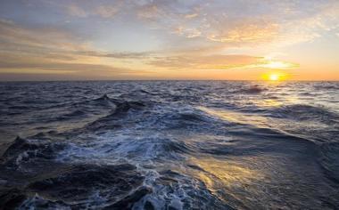 海面上的落日唯美高清壁纸桌面