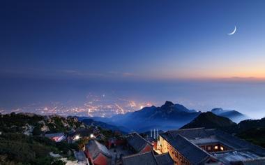 漂亮的夜景山城好看风景桌面壁纸