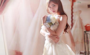 美丽的新娘婚纱美女壁纸