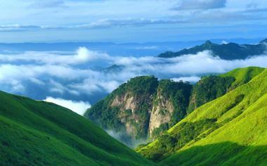 绿山云海高清风景电脑壁纸图片